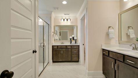 Master Bathroom | Warwick Plan