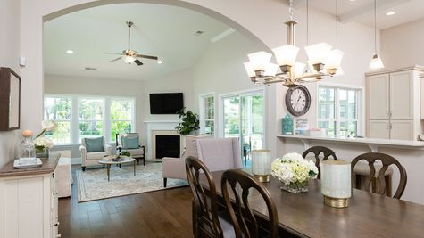 Eat-In to Family Room | Hartford Plan