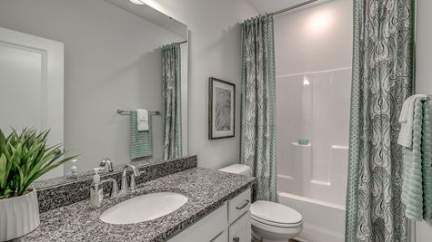 Secondary Bathroom | Gwinnett Plan