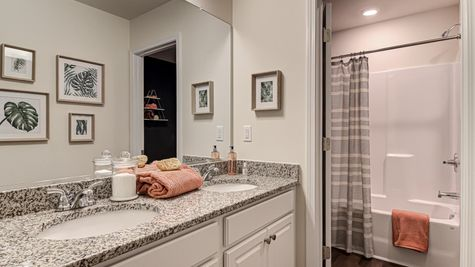 Secondary Bathroom | Meriwether Plan