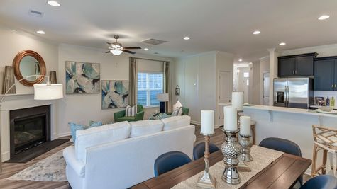 Dining to Family Room | Underwood Plan
