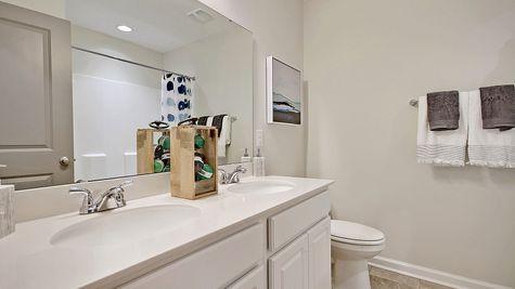 Secondary Bathroom | Telfair Plan