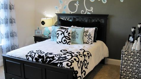 Monroe Model Bedroom-Greenleaf Village