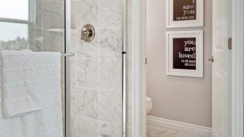 Yorktown Master Shower