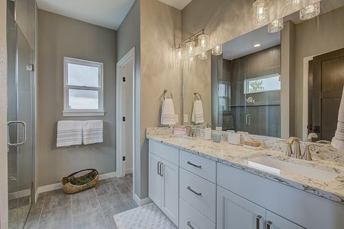 Double vanity by Milwaukee home builders, Tim O'Brien Homes