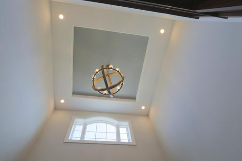 Vaulted entryway in a home by Milwaukee home builders, Tim O'Brien